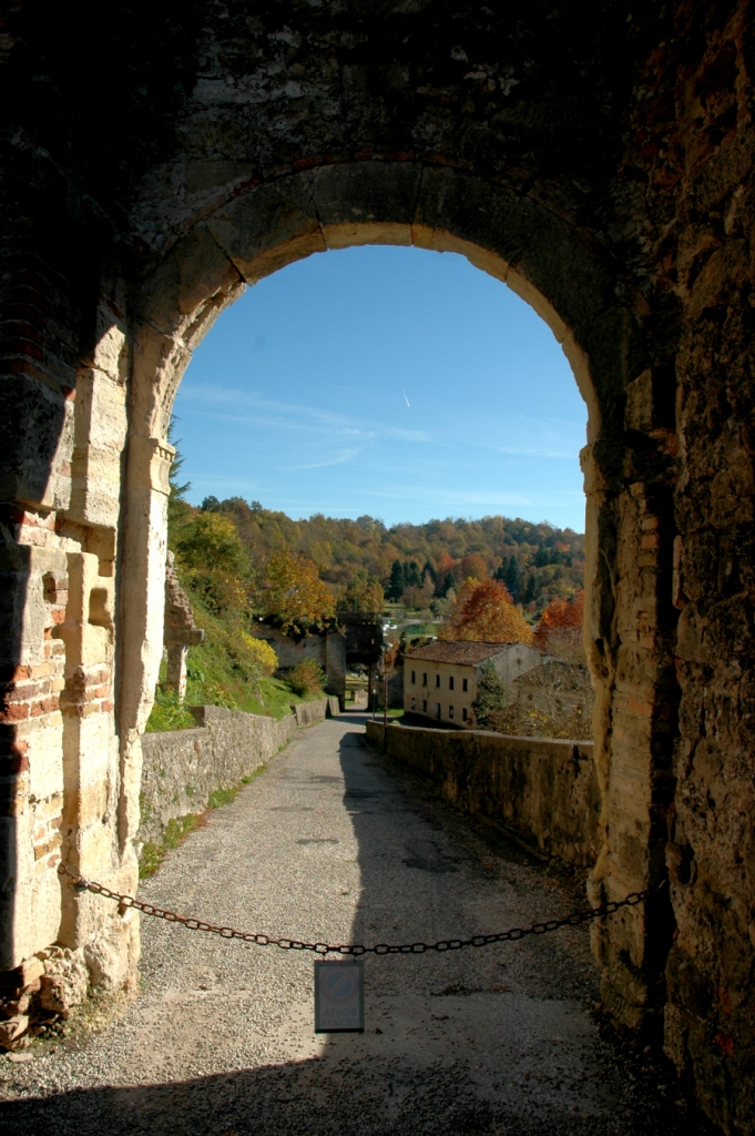 From the Gate of the Collalto castle in the heart of the DOCG Prosecco Conegliano hills