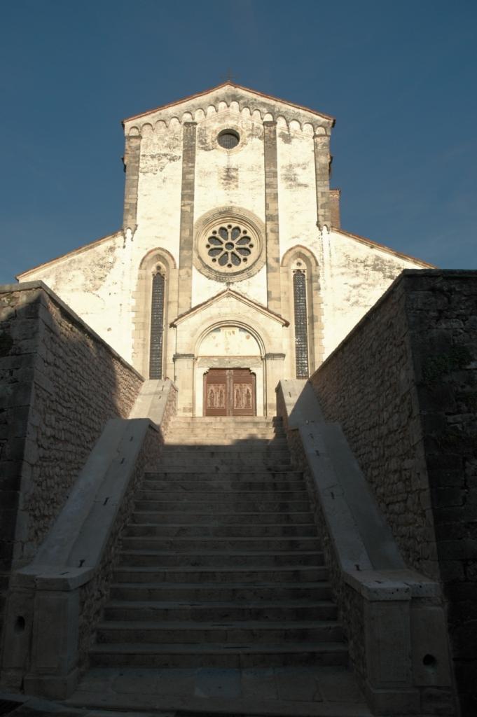 Follina's Abbey: church facade