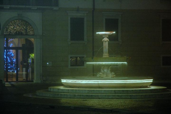 A_prosecco_treviso_fountain02